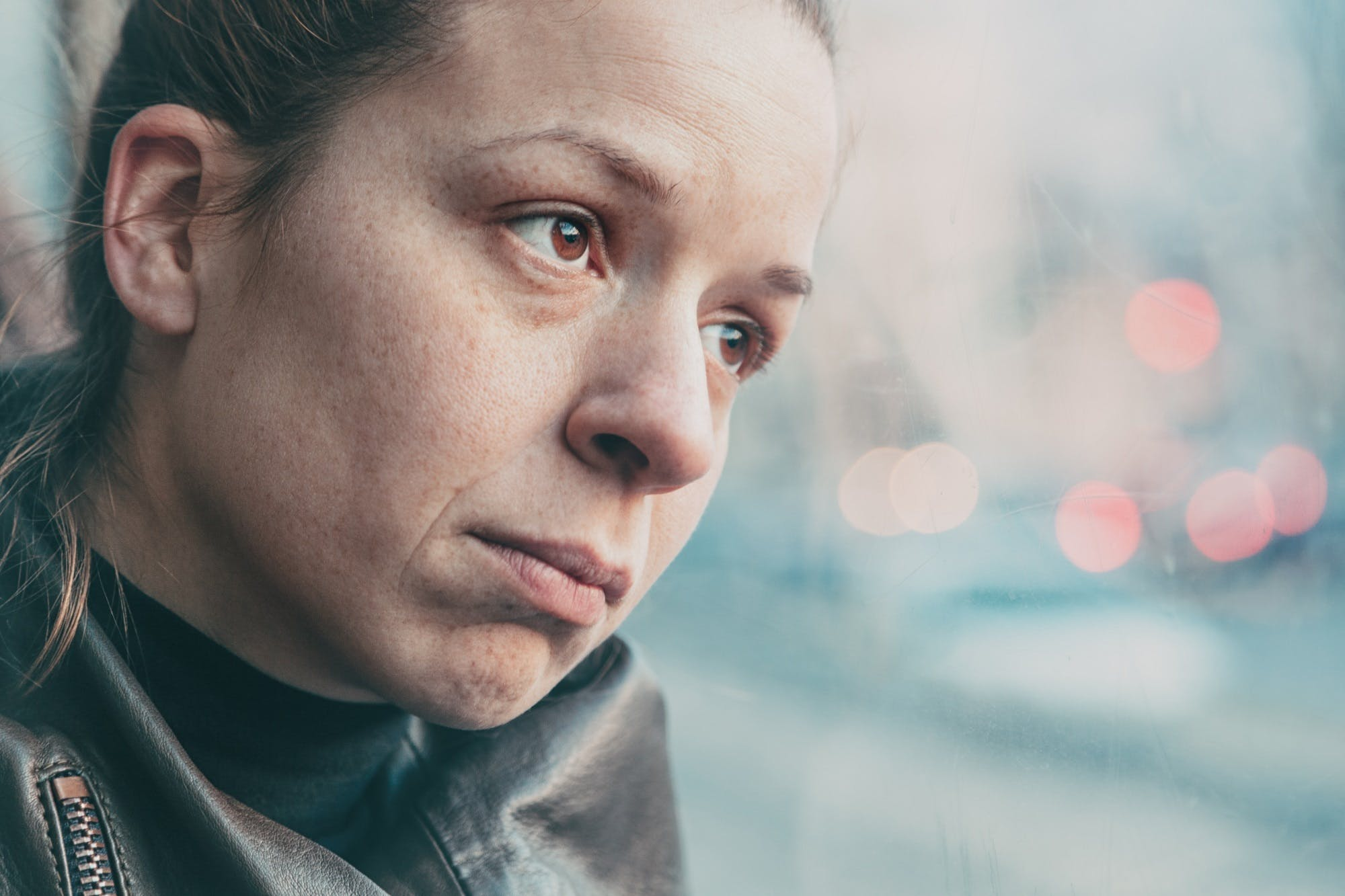 Woman In Streetcar Alone And Depressed Istock 518627980